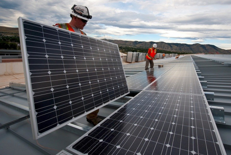 Instalar paneles solares solo