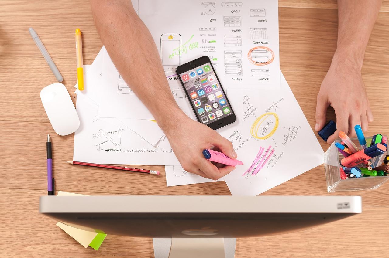 Quelles différences entre un rédacteur web, un copywriter et un assistant virtuel ?