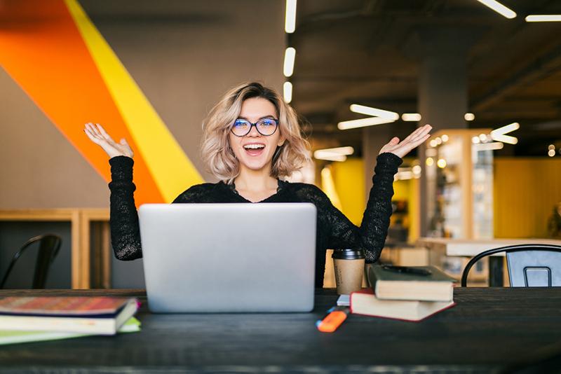 Pourquoi collaborer avec un rédacteur freelance ?